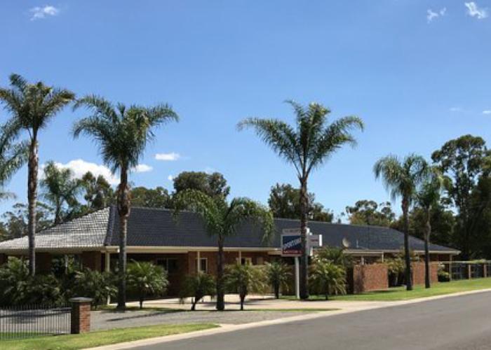 Sportsman's Motor Inn